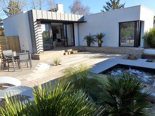 Mini-villa design avec jacuzzi, la plage à pied
