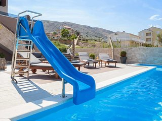 Modern Villa with Sea View, Large Swimming Pool and Private Beaches Nearby