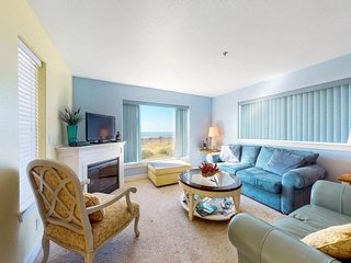 NEW LISTING! Waterfront condo w/ shared pool & hot tub - steps from the beach!