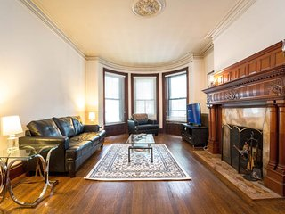 Brownstone 1 Bed Fully Furnished Apartment LIC10