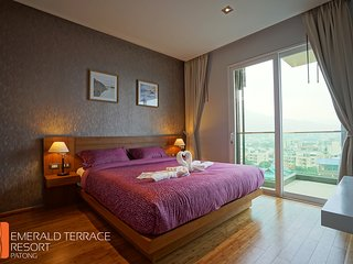 One Bedroom Suite City View and Sea View