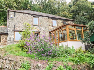 LAVENDER COTTAGE,  character and contemporary cottage, private garden and shared