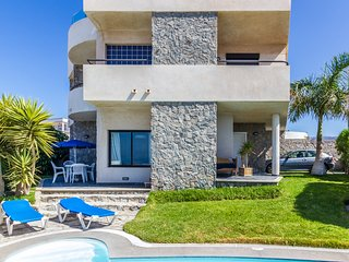 Fantastic Villa in Gran Canaria with private pool, near the beach and golf