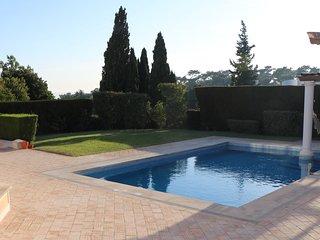 Amazing Luxury Golf & Pool Noble Villa in Estoril