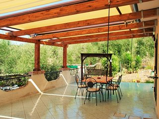 Holiday Home Sleeps 4 with Air Con and WiFi - 5312905