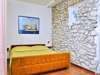 Apartment 1561