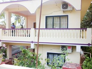 Well-furnished 3BHK stay, stone's throw from Bogmalo beach