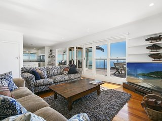 Seascape Retreat - Luxury Retreat (Mornington) with water views, beach access, f