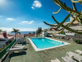 Lightbooking- 'Aguila' Beach Apartment