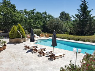 Le Mataran: Elegant villa in Provence with breathtaking views