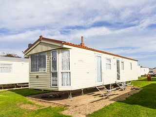 Broadland, 2 Bed, 6 Berth. Close to park amenities and childrens play area 20011