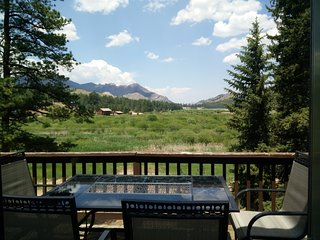 PIKES PEAK CABIN BY GARDEN OF THE GODS: GREAT VIEW, LOCATION NEAR ATTRACTIONS