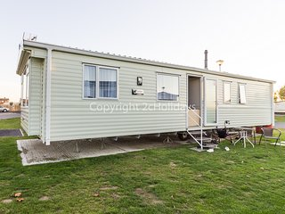 8 berth caravan with D/G & C/H, close to park amenities. At Seawick. REF 27925
