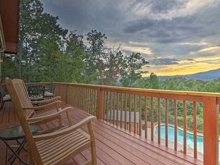 NEW! Redesigned Cabin w/ Pool - 5.6 miles to Helen