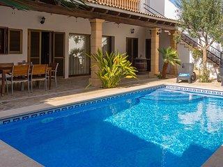 CAN GABRIEL, para 6 personas, piscina privada y barbacoa