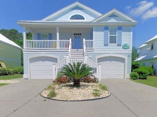 Out of the Blue  - Two Golf Carts Included w/ Rental & Shared Pool