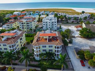 Luxury Oasis 2 Bedroom/ 2 Bath with Pool and Spa!!-Seven Nights 304