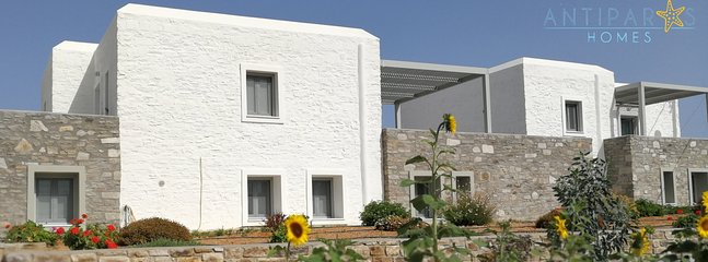 The complex is amphitheatrically built and has a great view of the nearby beach and Antiparos village