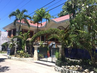 AJ Family Vacation Entire Home Argao