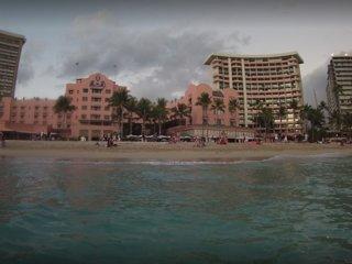 Relax in paradise at Waikiki Beach!