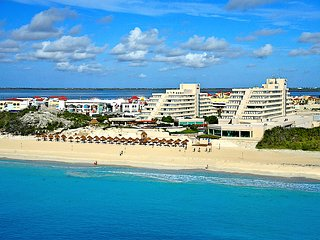 Ocean Front Luxury Condo in Cancun