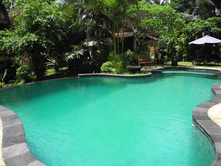 5BR Villa with Pool & Garden View