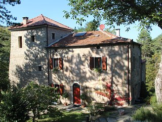 La Casa-torre, romantic in the forest with pool (Bologna, Ravenna, Florence)