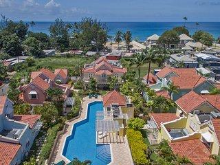 2 Bedroom Villa: Swimming Pool and Near Beach