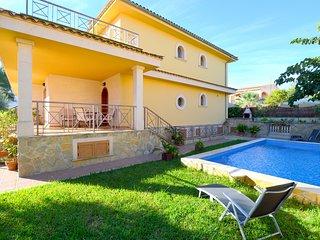 Villa 150 meters beach