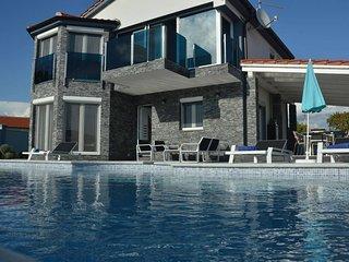 Villa Magic