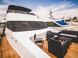 Motor Yacht Boatel Twin Cabin