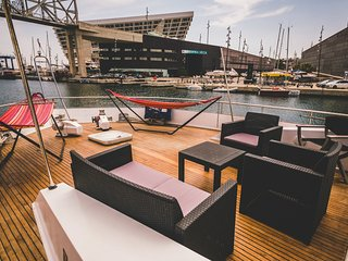 Amazing Yacht Boatel Cabins With Divine Views