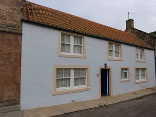 St Anne's Cottage in the Heart of Crail