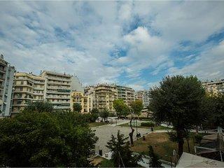 PARK NAVARINOU, bright new central apartment