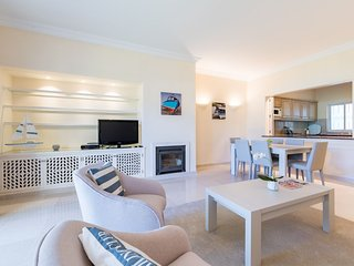 Quinta do Lago Apartment Sleeps 2 with Pool Air Con and WiFi - 5679445