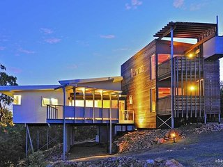 CROWS NEST HOLIDAY HOME