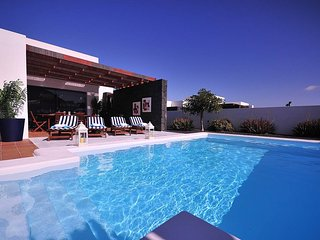 Villa with private heated pool B1