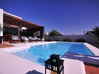 Villa with private heated pool B2