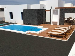 Villa with private heated pool C6