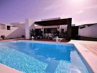 Villa Anika with private heated pool, air conditioning, wifi, etc.