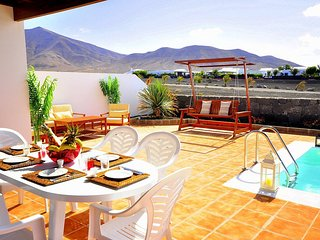 Marta Beautiful villa with views to the mountains of Los Ajaches