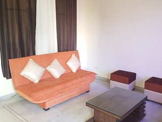 Bright And Sunny GK2 Apartment- 100M From GK Metro-Ground Floor 3 BR/BA Spacious