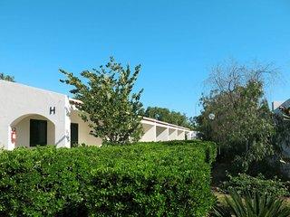 San Lorenzo Holiday Home Sleeps 4 with Pool Air Con and Free WiFi - 5656040