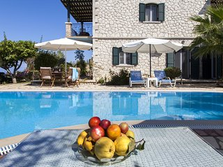Super Offers: Family Style Villa Aliki With Private Pool &Amazing