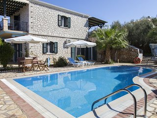 FamilyStyle Villa Aliki With Private Pool &Amazing View Now WIth -20% Until 18/7