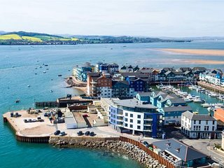 Luxury two bedroom apartment on Exmouth quay