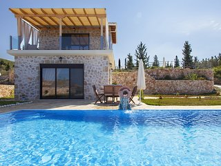 -20% At Villa Natalia with Private Pool & Spectacular Views For Early July Dates