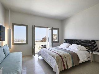 Alti Santorini Suites (Deck Suite)