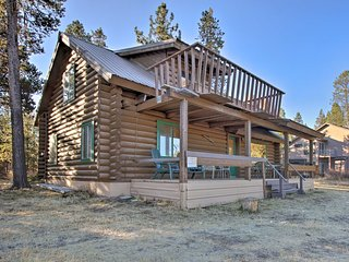 Private Log Cabin in Bend w/ Deschutes River View!