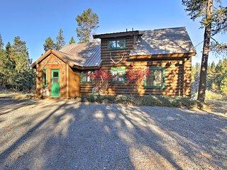 Private Log Cabin in Bend w/ Deschutes River View!